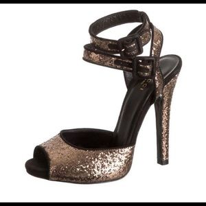 GUCCI HEELS never worn heels Size 38